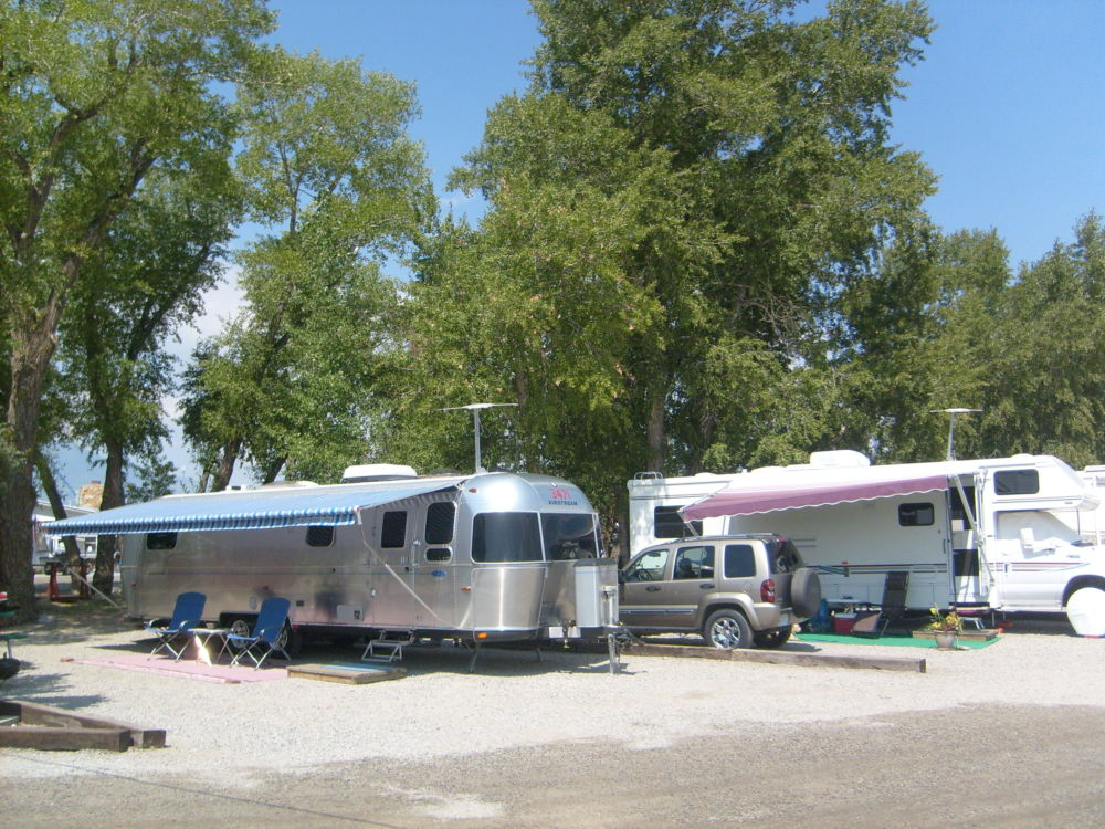 Full hookup state park camping