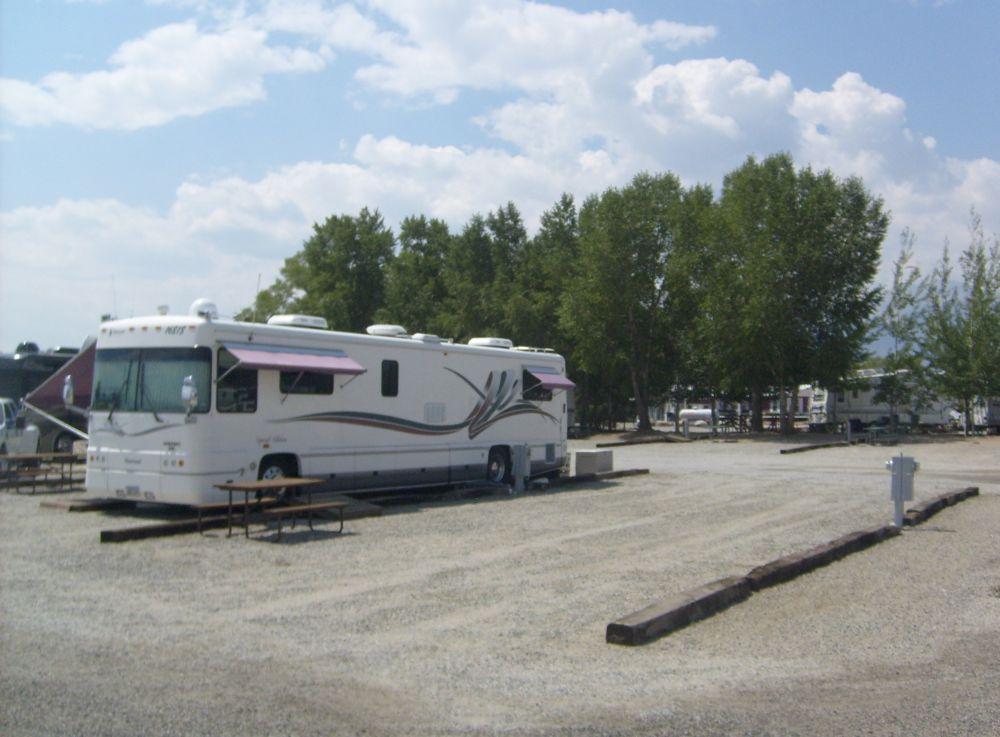 RV Sites Tent Sites Cabins RV Rentals Storage & Accomodations - Chalk Creek Campground: Buena Vista Salida ...